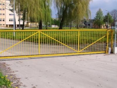 Automatyczna brama przesuwna firmy BRAMAR dla Imperial Tobacco w Radomiu