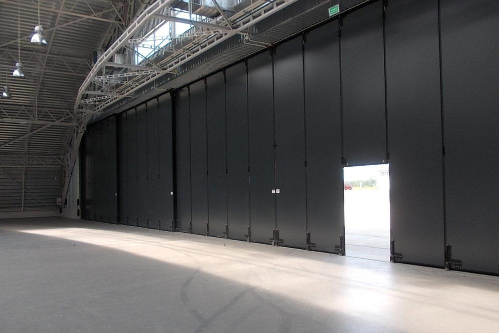 Wielkogabarytowa brama przesuwna 41,4 x 6 metrów Babie Doły
