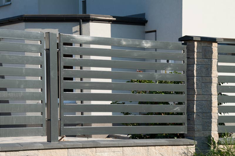 Bramy i ogrodzenia posesyjne - przykładowe realizacje firmy Bramar